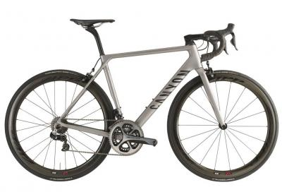 Canyon Ultimate CF SLX 9.0 Aero, leggerezza estrema