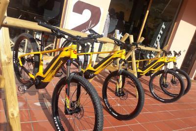 La Valsassina in e-Mountain Bike, una felice scoperta tra le prealpi lecchesi