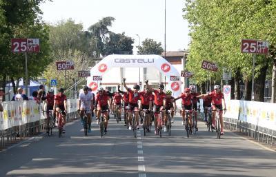 Milano capitale del ciclismo con la Deejay 100
