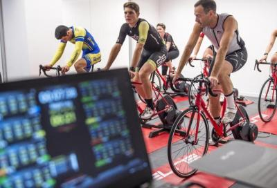 The Race: a Milano le prime gare di triathlon indoor