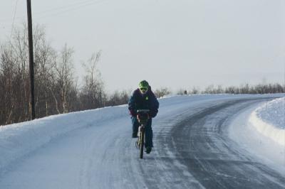 10 consigli per pedalare al caldo e al sicuro in inverno
