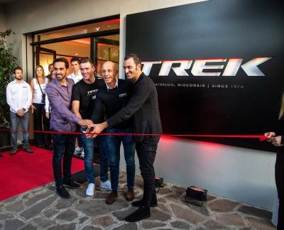 L'élite del ciclismo a Bergamo per inaugurare la nuova sede italiana di Trek