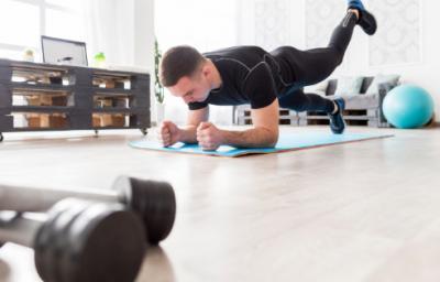 Ciclisti da camera o sedentari: a ognuno il suo esercizio