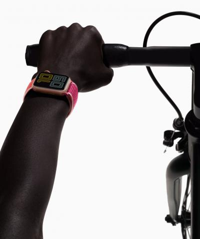 Costretti in casa? Teniamoci in forma con Apple Watch