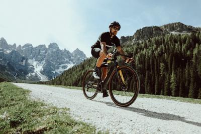 LBH e Pirelli per il cicloturismo in e-bike