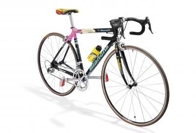 All'asta due bici di Pantani e altri cimeli della Mercatone Uno