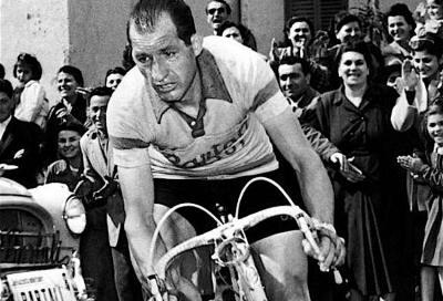 Gino Bartali, un santo in bicicletta: la vita, la fede, le imprese