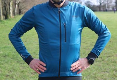Santini Adapt, il giubbino da bici caldo e leggero