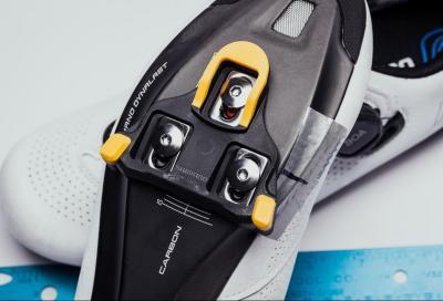 Come montare e regolare le tacchette sulle scarpe da ciclismo (video)