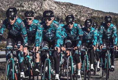 Occhiali Bollè Lightshifter al Giro con il team Uci B&B Hotels p/b Ktm