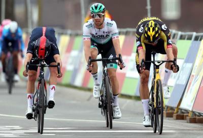Amstel Gold Race: al fotofinish Van Aert batte Pidcock