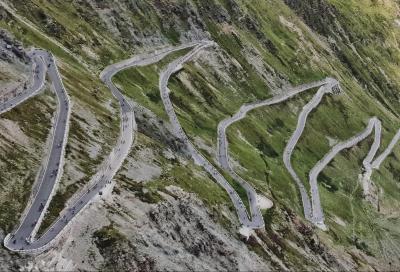 In bici dalla Madonnina di Milano alla Cima Coppi d'Italia: arriva la Duomo-Stelvio