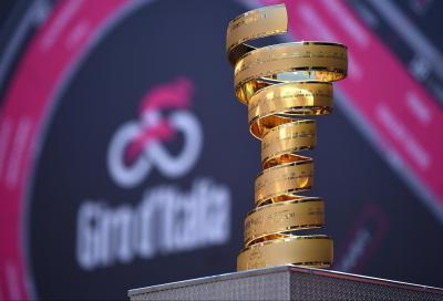 Senza Fine, il Trofeo del Giro d'Italia è già a Milano