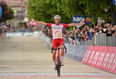 Giro d'Italia: Victor Lafay si impone in salita