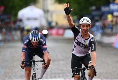 Giro d'Italia: Victor Campenaerts primo nel diluvio di Gorizia
