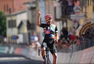 Giro d'Italia: splendido Alberto Bettiol, allunga sul finale e stronca tutti