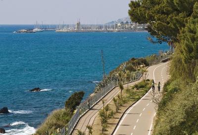 In bici alla scoperta della Riviera dei Fiori