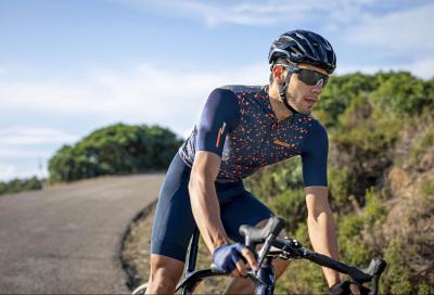 Santini, capi leggeri e traspiranti per pedalare d'estate
