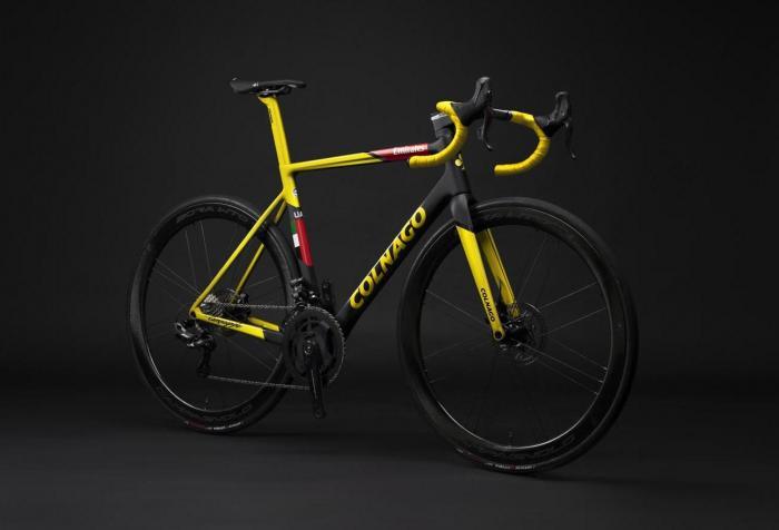 V3Rs Capsule Collection, le 3 bici di Colnago ispirate alle maglie del Tour de France di Tadej Pogacar