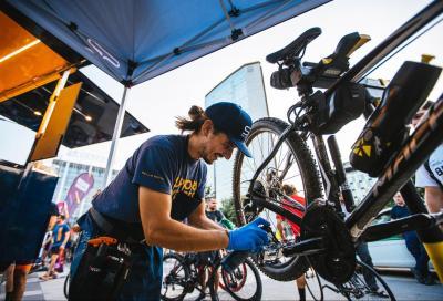 Support Cyclists On The Road, il Van che gira l'Europa per riparare gratuitamente le biciclette
